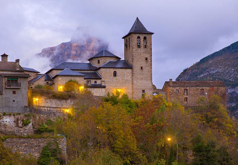 Torla en Ordesa y los Pirineos